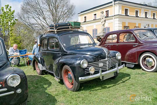 Front/Side  of Renault 4CV 0.7 Manual, 18ps, 1951 at Fest För Franska Fordon  på Taxinge slott 2019