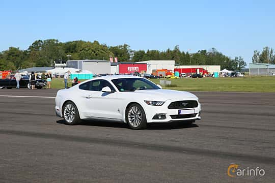 Front/Side  of Ford Mustang 2.3 GTDI EcoBoost 314ps, 2015 at Lidköping Power Big Meet  2019