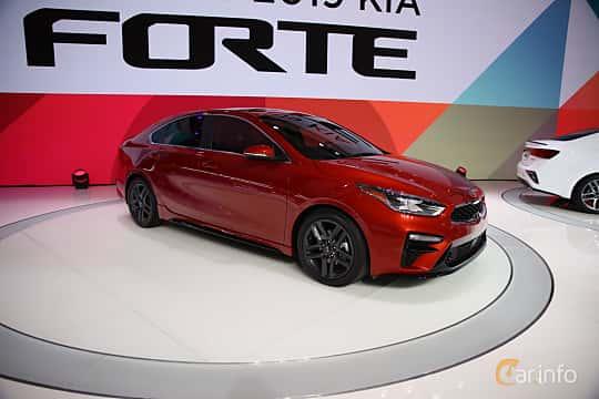 Fram/Sida av Kia Forte 2.0 i-CVT, 149ps, 2019 på North American International Auto Show 2018