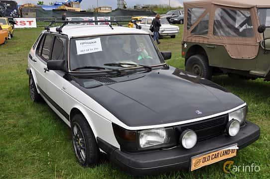 Front/Side  of Saab 900 3-door 1985 at Old Car Land no.1 2019