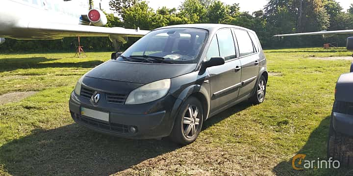 Front/Side  of Renault Scénic 1.6 Manual, 113ps, 2005 at Old Car Land no.1 2019