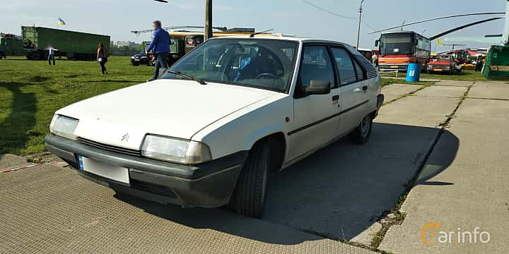 Front/Side  of Citroën BX 1989 at Old Car Land no.1 2019