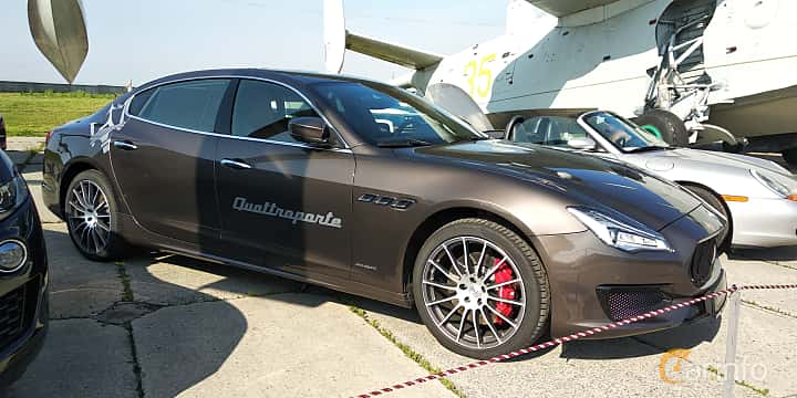 Front/Side  of Maserati Quattroporte S Q4  Automatic, 430ps, 2019 at Old Car Land no.1 2019