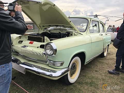 Front/Side  of GAZ 21 1969 at Old Car Land no.2 2019