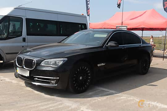 Front/Side  of BMW 750i  Steptronic, 408ps, 2009 at Proudrs Drag racing Poltava 2019