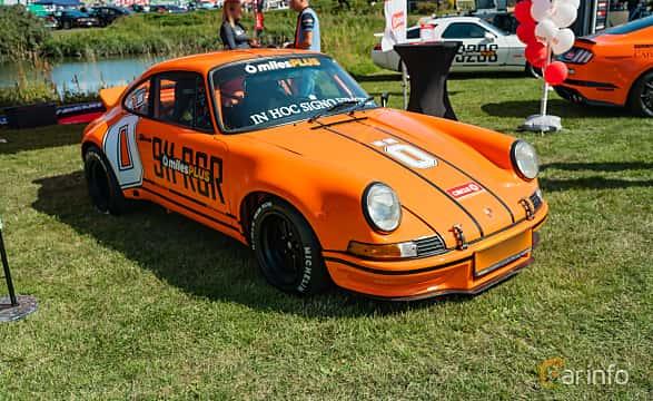 Front/Side  of Porsche 911 1964 at Stockholm Vintage & Sports Car meet 2019