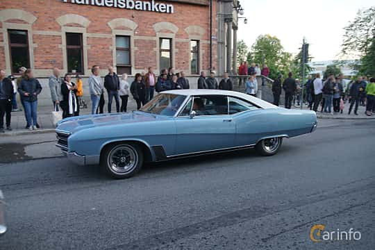 Front/Side  of Buick Wildcat Custom Sport Coupé 7.0 V8 Automatic, 365ps, 1967 at Umeå Wheels Nations Norr 2019