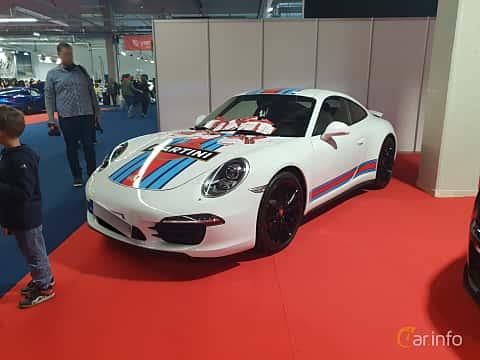 Front/Side  of Porsche 911 Carrera 4S 3.8 H6 4 400ps, 2012 at Warsawa Motorshow 2018