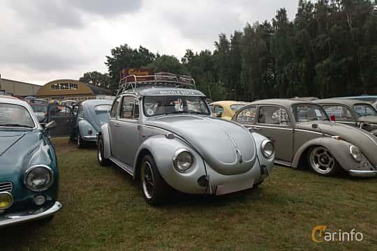 Front/Side  of Volkswagen Type 1 1971 at West Coast Bug Meet 2019