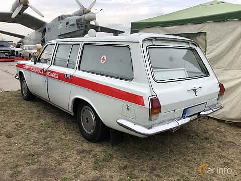 Back/Side of GAZ 24-13 Volga 2.4 Manual, 100ps, 1989 at Old Car Land no.2 2019