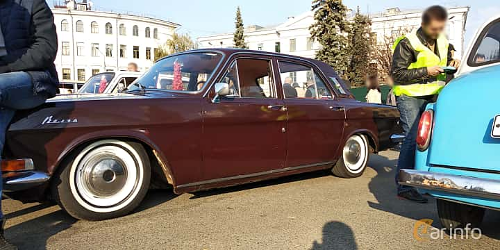 Side of GAZ GAZ-24 2.4 Manual, 95ps, 1974
