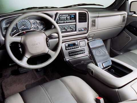 Interior of GMC Yukon XL 6.0 V8  Automatic, 329hp, 2003