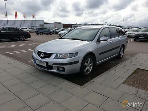 Fram/Sida av Honda Accord AeroDeck 2.4 Manual, 190ps, 2003