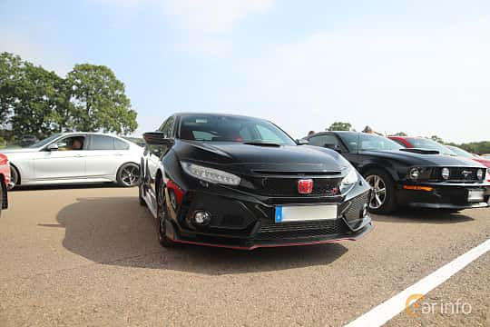 Front/Side  of Honda Civic Type R 2.0 VTEC Manual, 320ps, 2018 at Autoropa Racing day Knutstorp 2019