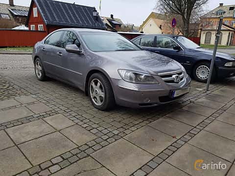 Front/Side  of Honda Legend 3.5 V6 SH-AWD Automatic, 295ps, 2007