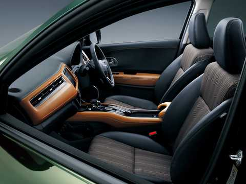 Interiör av Honda Vezel 1.5 Automatisk, 162hk, 2014