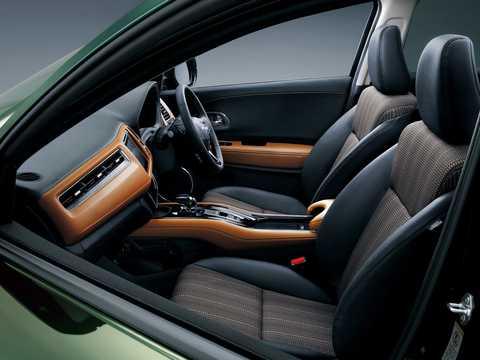 Interior of Honda Vezel 1.5 Automatic, 162hp, 2014