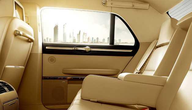 Interior of Hongqi L5 6.0 V12 i-AWD Automatic, 414hp, 2016