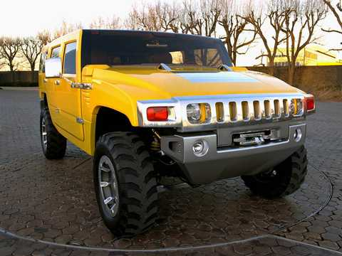 Front/Side  of Hummer H2 SUV 6.0 V8 Automatic, 345hp, 2000