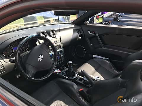 Interior of Hyundai Coupé 2007 at Old Car Land no.1 2018
