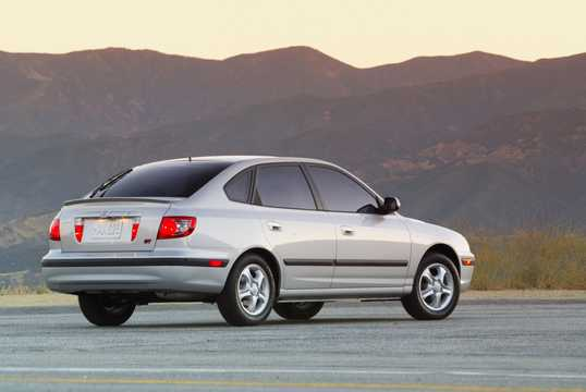 Back/Side of Hyundai Elantra Hatchback 2004