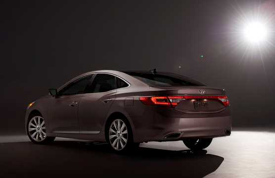 Back/Side of Hyundai Grandeur 2012
