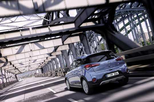 Back/Side of Hyundai i20 Active 1.4 CRDi Manual, 90hp, 2015