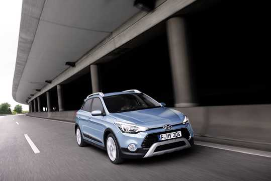 Front/Side  of Hyundai i20 Active 1.4 CRDi Manual, 90hp, 2015