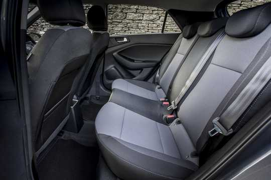 Interior of Hyundai i20 Active 1.4 CRDi Manual, 90hp, 2015