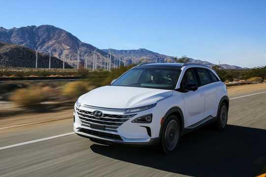 Front/Side  of Hyundai Nexo FuelCell Single Speed, 163hp, 2018