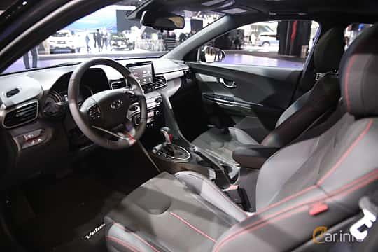 Interiör av Hyundai Veloster 2.0 Automatic, 149ps, 2018 på North American International Auto Show 2018