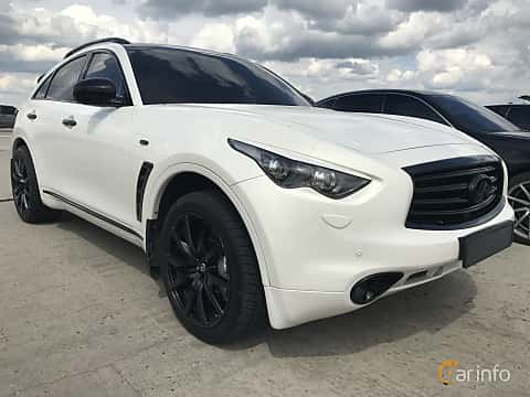 Front/Side of Infiniti FX50 AWD 5.0 V8 AWD Automatic, 396ps, 2011 at Ukrainian Drag Series Stage 1 2017