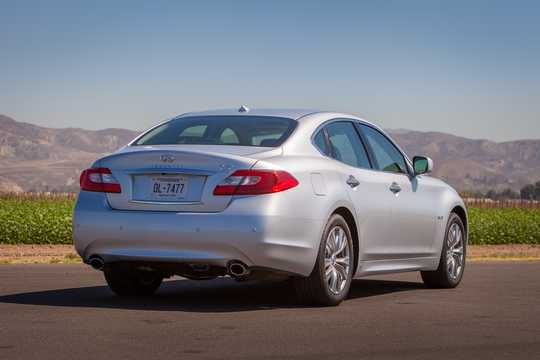 Back/Side of Infiniti Q70 3.5 V6 Automatic, 364hp, 2014