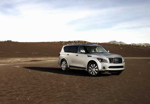 Front/Side  of Infiniti QX56 5.6 V8 AWD Automatic, 408hp, 2011