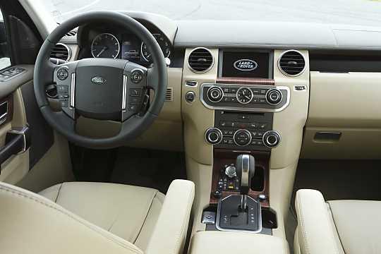 https://s.car.info/image_files/360/interior-0-214205.jpg