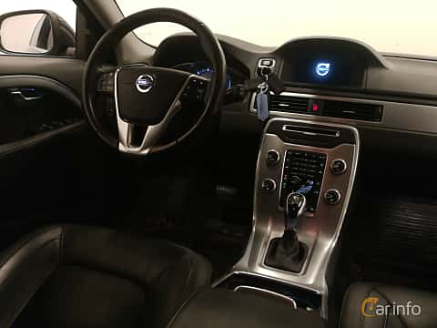 Interior of Volvo V70 D4 AWD Geartronic, 181ps, 2016