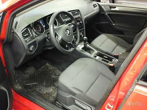 Interior of Volkswagen Golf 5-door 1.0 TSI BlueMotion Manual, 110ps, 2018