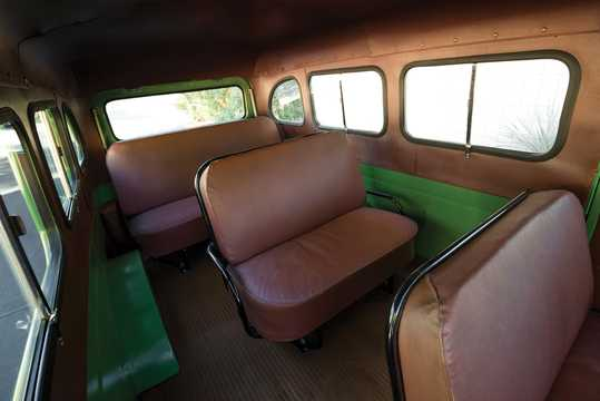 Interior of International Harvester Travelall 3.6 Manual, 133hp, 1953
