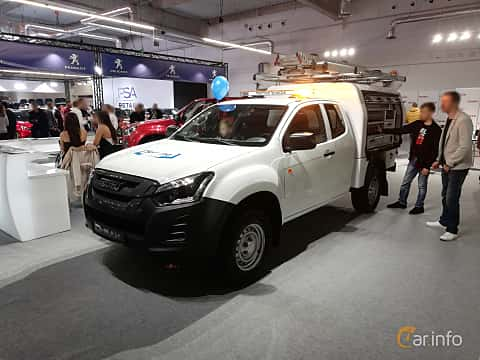 Front/Side  of Isuzu D-Max Space Cab 1.9 4WD Manual, 163ps, 2018 at Warsawa Motorshow 2018