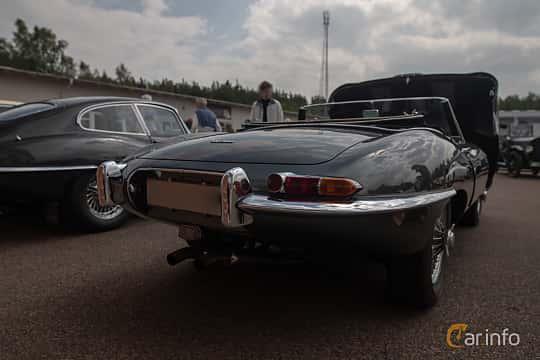 Back/Side of Jaguar E-Type Roadster 3.8 XK Manual, 269ps, 1961 at Joe's garage 2019´s stora Jaugurevent