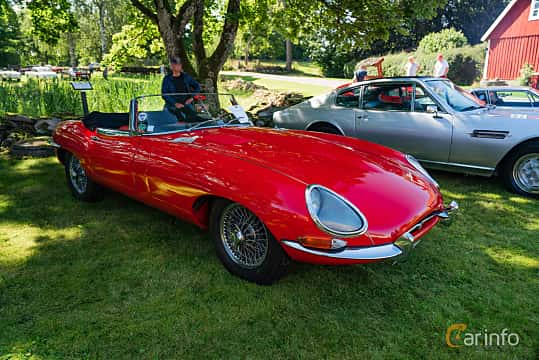Front/Side  of Jaguar E-Type Roadster 3.8 XK Manual, 269ps, 1963 at Sportbilsklassiker Stockamöllan 2019