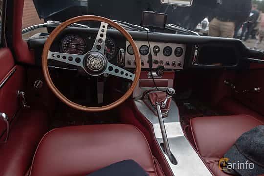Interior of Jaguar E-Type Roadster 3.8 XK Manual, 269ps, 1961 at Joe's garage 2019´s stora Jaugurevent