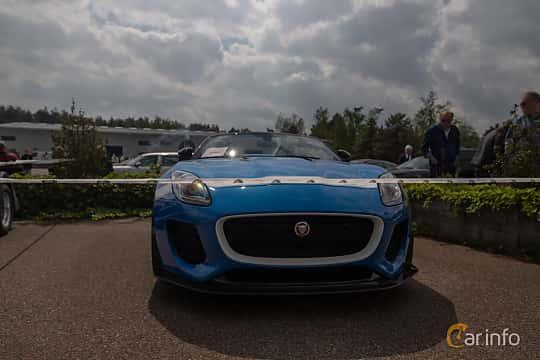 Front  of Jaguar Project 7  Automatic, 575ps, 2016 at Joe's garage 2019´s stora Jaugurevent
