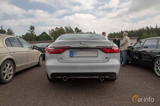 Back of Jaguar XF S  Automatic, 380ps, 2016 at Joe's garage 2019´s stora Jaugurevent