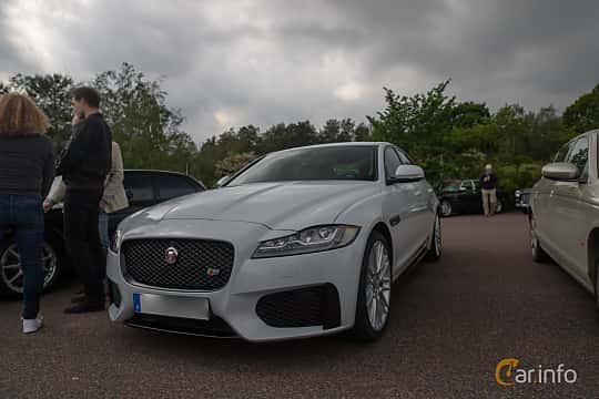 Front/Side  of Jaguar XF S  Automatic, 380ps, 2016 at Joe's garage 2019´s stora Jaugurevent