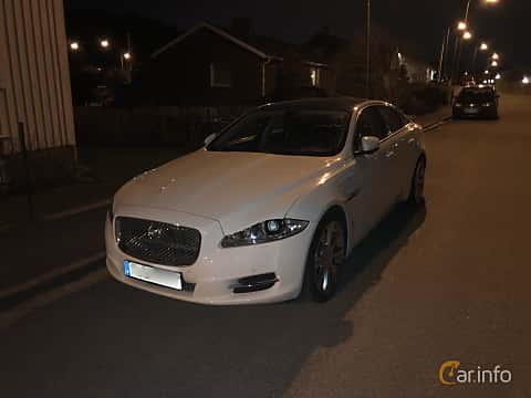 Front/Side  of Jaguar XJ 3.0 V6 Automatic, 275ps, 2012