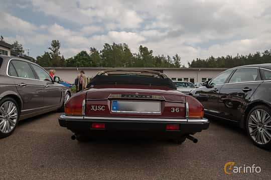 Back of Jaguar XJ-SC 3.6 3.6 Automatic, 221ps, 1987 at Joe's garage 2019´s stora Jaugurevent