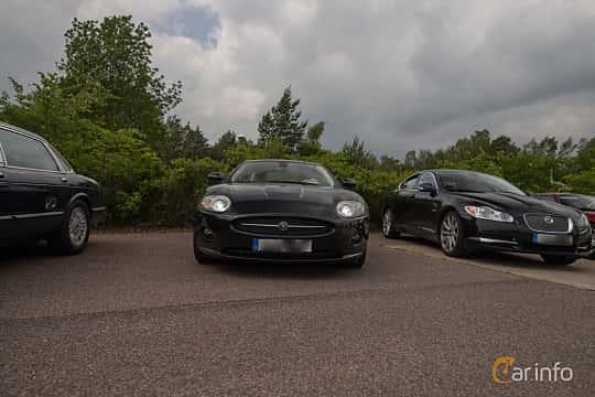 Front  of Jaguar XK 4.2 V8 Automatic, 298ps, 2007 at Joe's garage 2019´s stora Jaugurevent