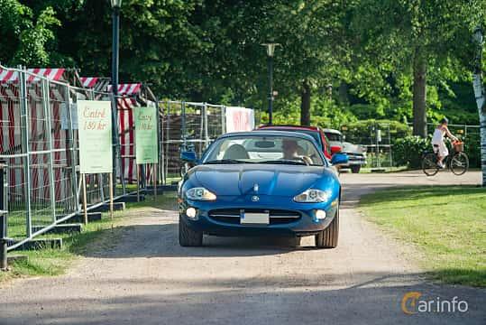 Front  of Jaguar XK8 4.0 V8 Automatic, 284ps, 1997 at Ronneby Nostalgia Festival 2019