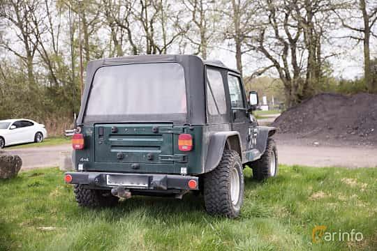 Bak/Sida av Jeep Wrangler 4.0 4WD Automatic, 169ps, 1999 på Lucys motorfest 2018